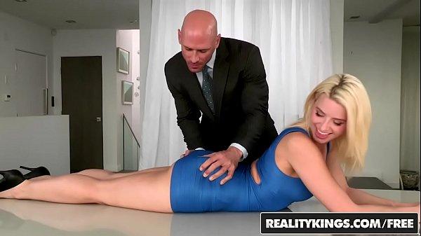 Video de loira gostosa pra caralho fazendo sexo