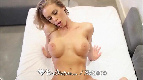 Videos de putaria com loira sarada muito gostosa