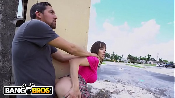 Www.xvideo.com mulher gostosa transando em público