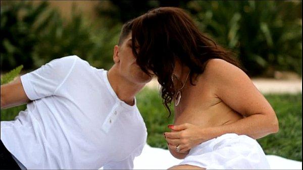 Xvideo coroa tesuda muito gostosa fazendo sexo