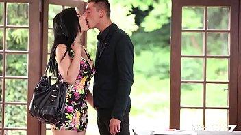 Video de sexo selvagem com novinha linda gostosa