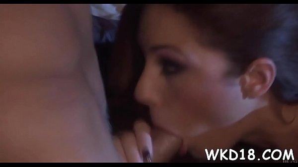 Atriz porno gostosa num video de sexo