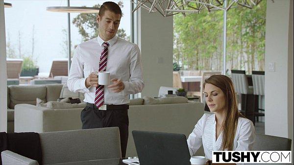 Gostosa anal perfeito com seu patrão bem dotado