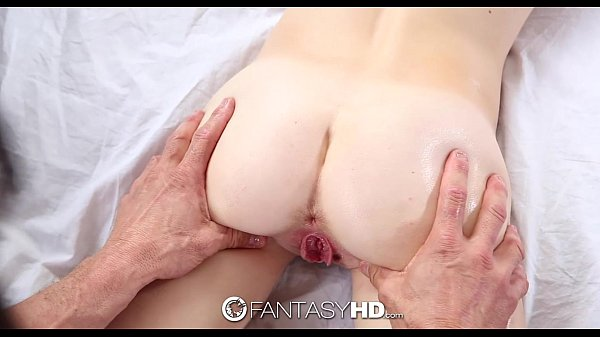 Lingua na buceta da loirinha novinha e depois sexo