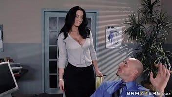 Sexo no trabalho com funcionária muito gostosa