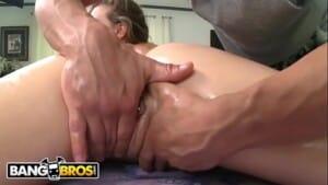 Nudes de novinhas sendo masturbada na massagem