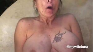 Metendo no cu gostoso da tia dos peitoes enormes