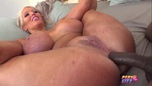 Pornô de mulher madura gostosa dando cuzinho
