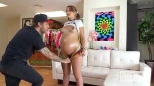 Sexo hardcore com grávida novinha muito safada